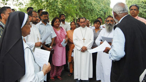 Christian leaders in front of Pakistan High Commission.(Christian Today)